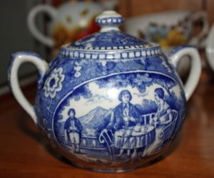 An handpainted, antique piece of Delft Blue