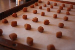 Baking pepernoten